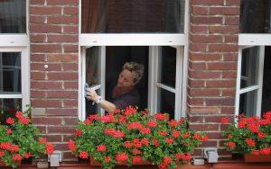 Fenster putzen macht selten Spaß